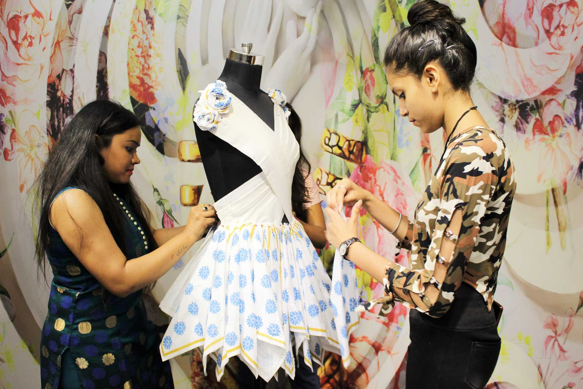 4 Years B.Des Fashion Designing Course in Delhi by Edu Brain Academy